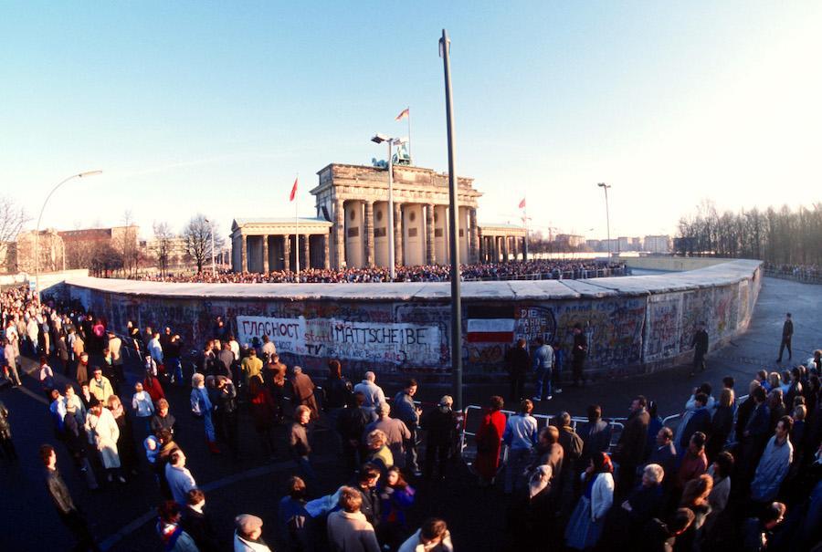 Brandenburg Gate December 1989